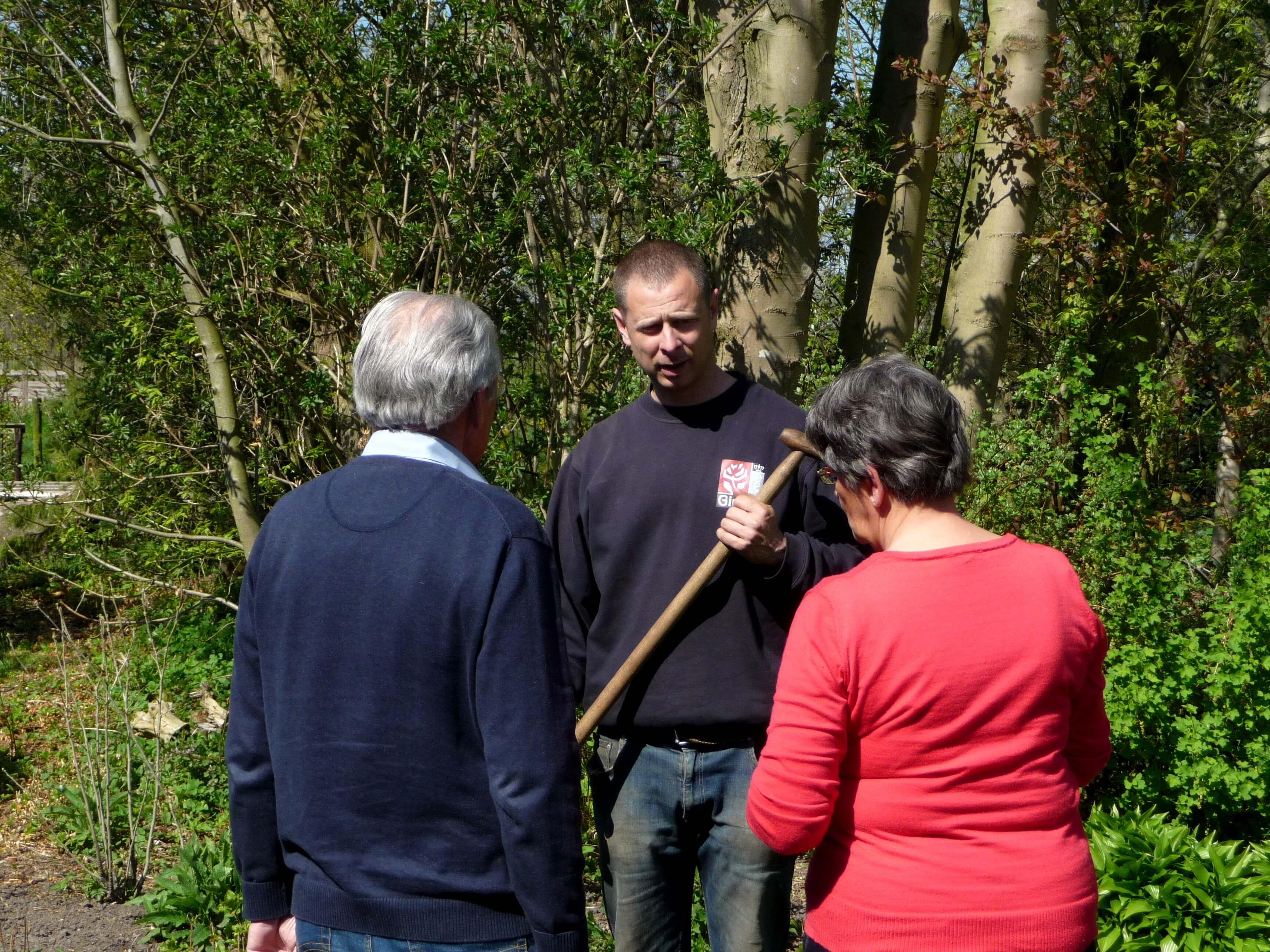 Project tuinonderhoud door de koninklijke ginkel groep for Prijzen tuinonderhoud