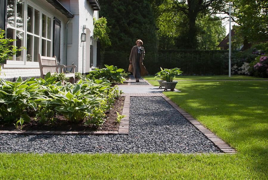 Moderne tuinen ontwerp uw droomtuin de ginkel groep for Foto s voortuinen