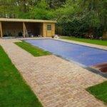 Natuurzwembad bij particulier in Zeist gemaakt door De Koninklijke Ginkel Groep