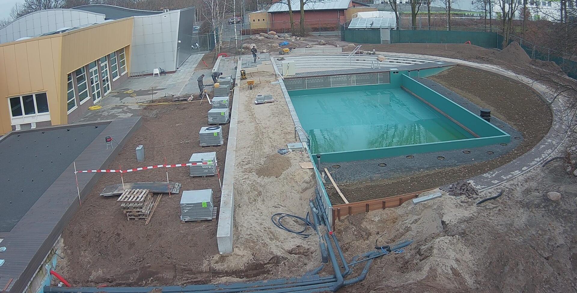 Zwembad De Peppel.Natuurgezuiverd Buitenbad De Peppel In Ede Wordt Gevuld
